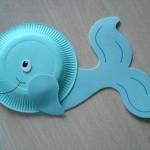Голубой кит из бумажных тарелок