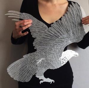 Папер арт. Птица вырезанная из бумаги