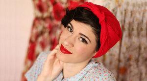 Как повязать платок в стиле 50-х.